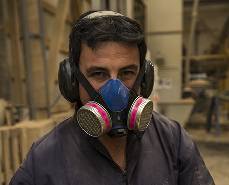 Obrero en fábrica